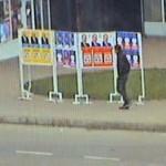 Sancţionat contravenţional pentru deteriorarea afişelor electorale